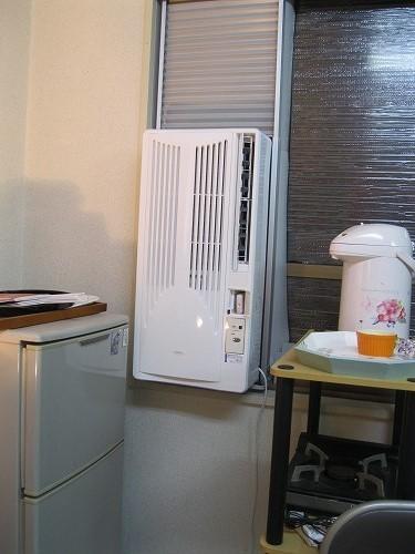 今回の選挙用に新規に購入したのは冷房機だけ。