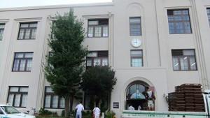 震災被害の大きかった長田地区で、築85年の小学校。分科会場。